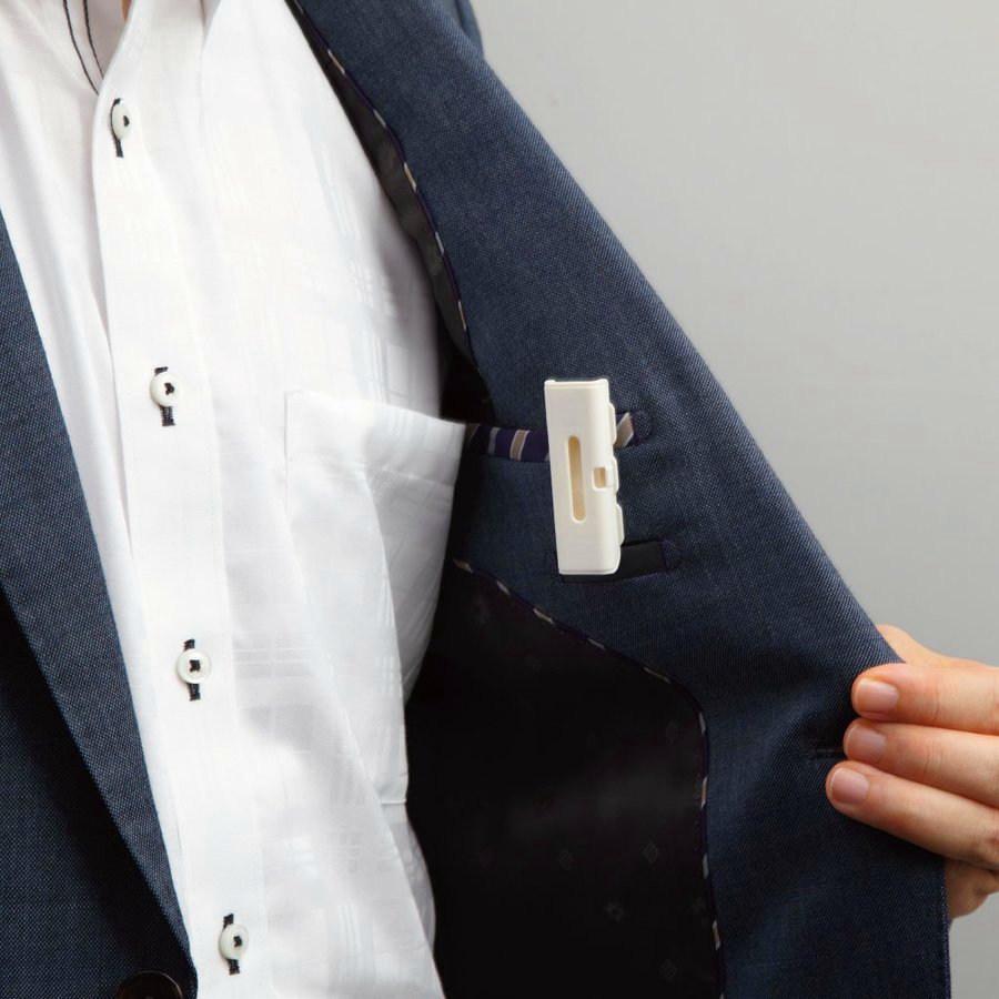 エステー アロマサプリ ディフューザー クリップタイプ 使い方 スーツの胸ポケットに