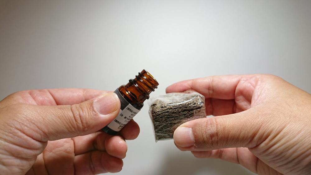 九谷焼の香箱 G-CUBEの詰替え用のセラミックス専用オイル 使いかた